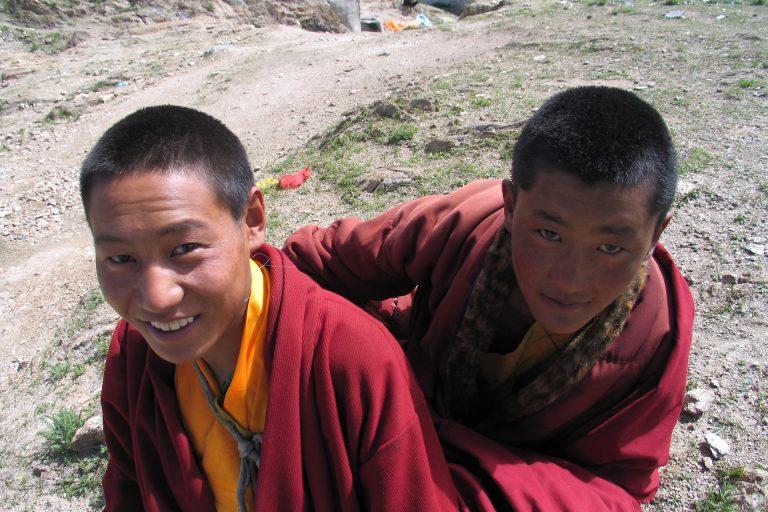 묵직한 작별의 티베트